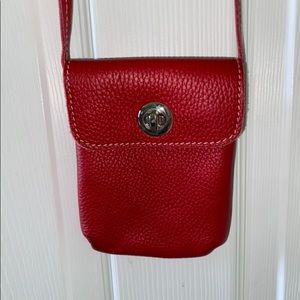 Red roots crossbody